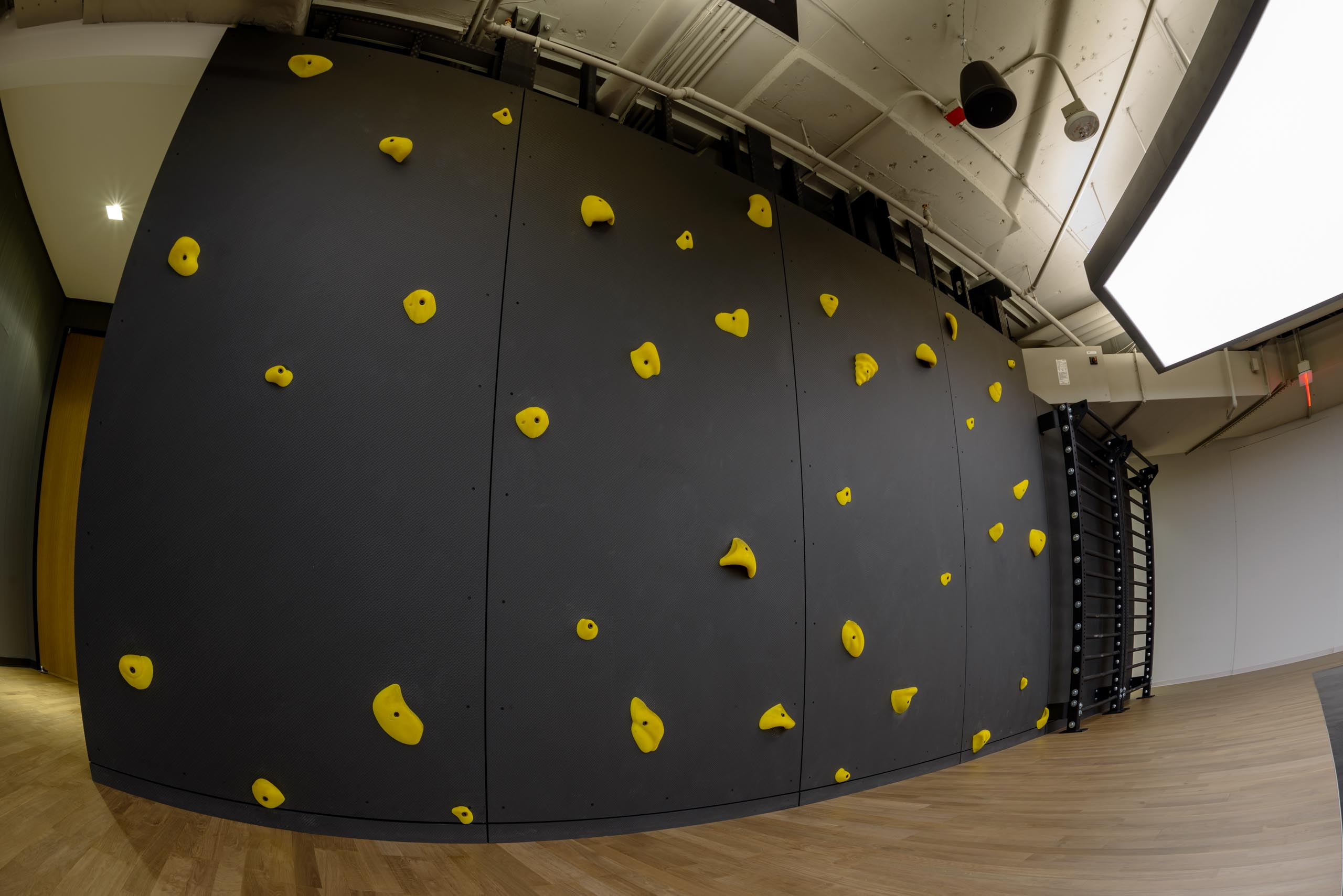 Tekstur Climbing Wall Wide Angle
