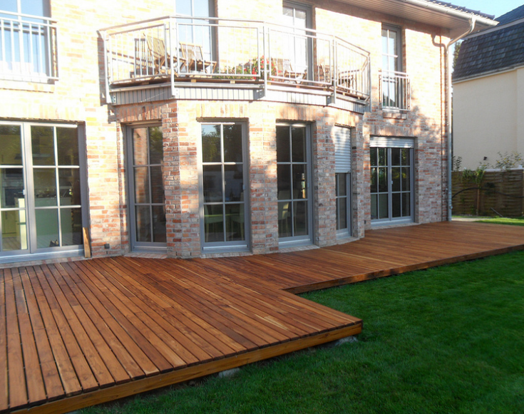 Backyard Proteak Decking for a Lovely German Home