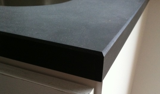 richlite vanity edge detail