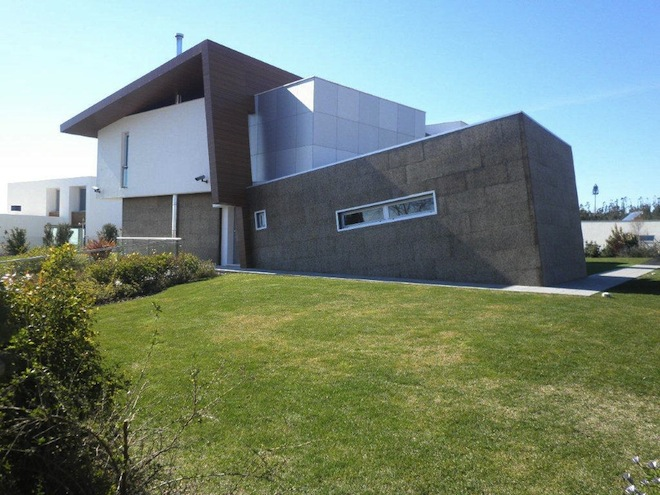 Modern Home with Thermacork Facade Base
